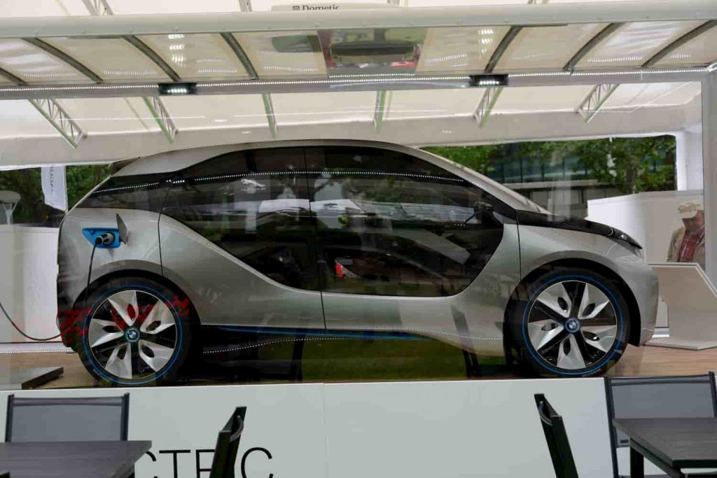 BMW i3 top speed compared with the pigeon which is one of the fastest animals in the world.