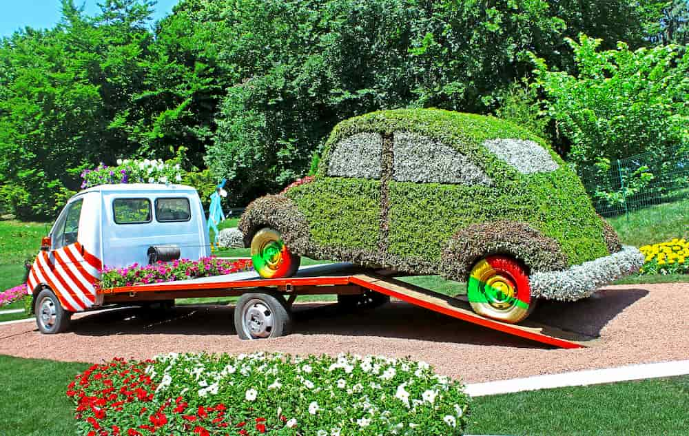 Garden Decoration Ideas Using Cars