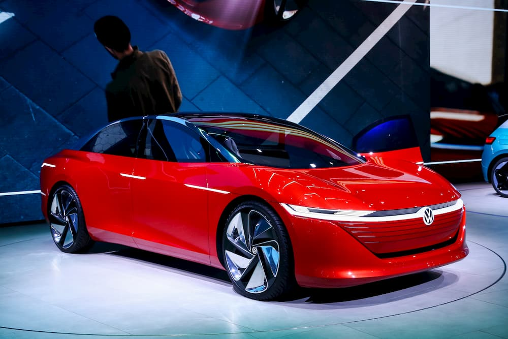 vw id vizzion electric concept car from the front side view during the presentation